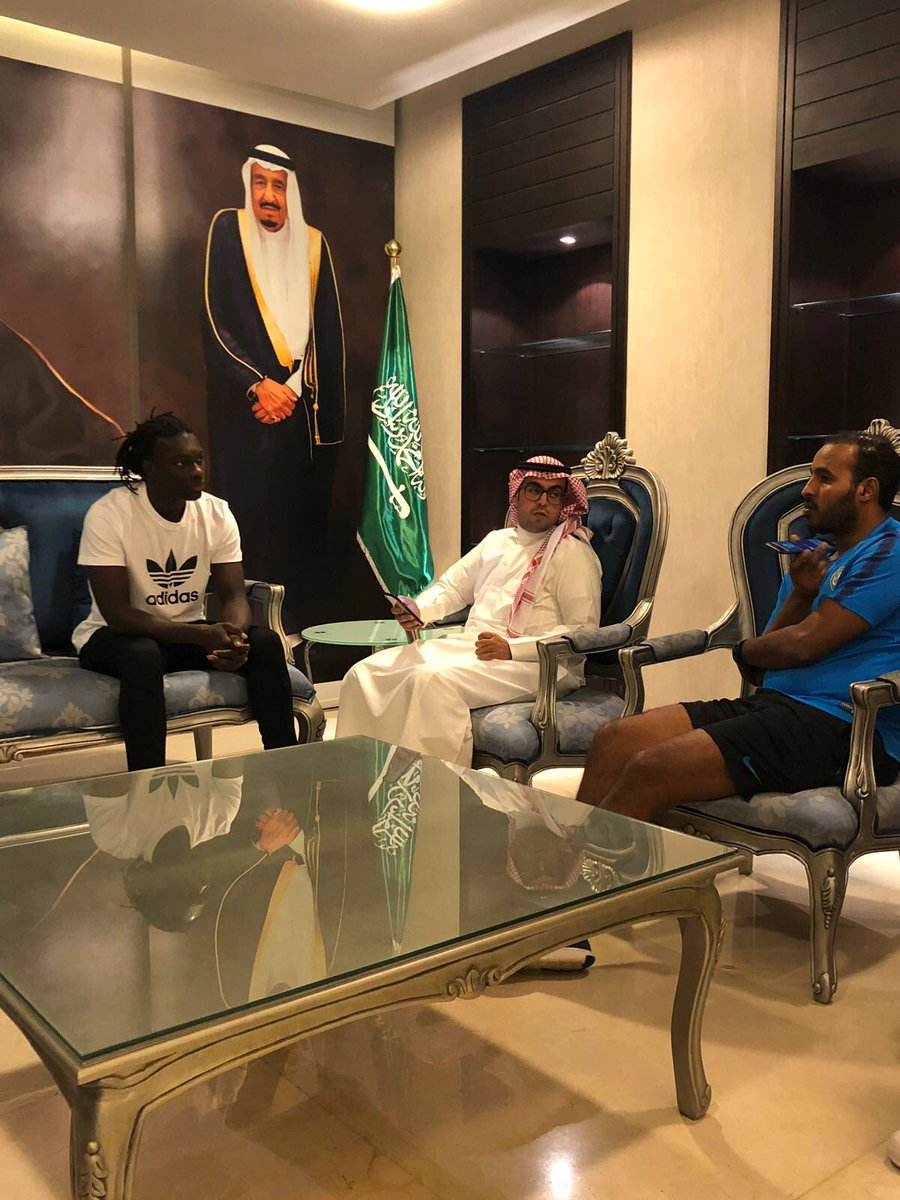 Pleasant moment with @H_swilhy for my first interview in Riyadh. It was an interresting exchange about my new challenge . 🙏🏿💙