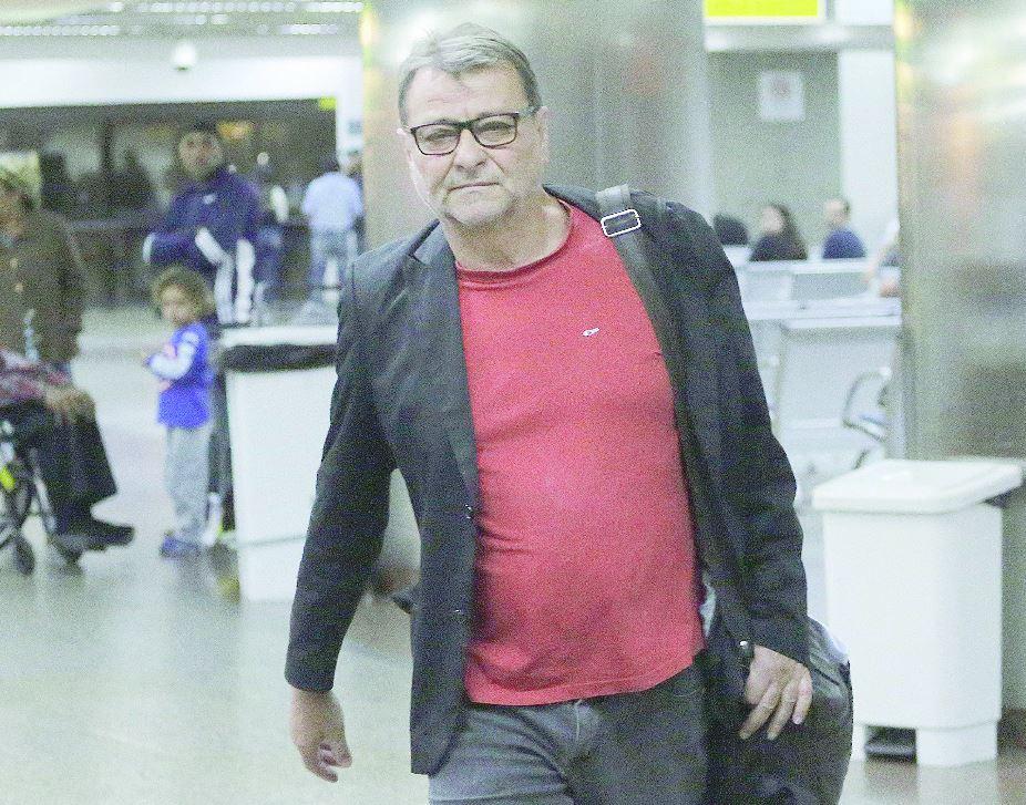 Bolsonaro promete extradição imediata de Cesare Battisti caso vença #eleições2018 #extradição https://t.co/STGMuV2kIh