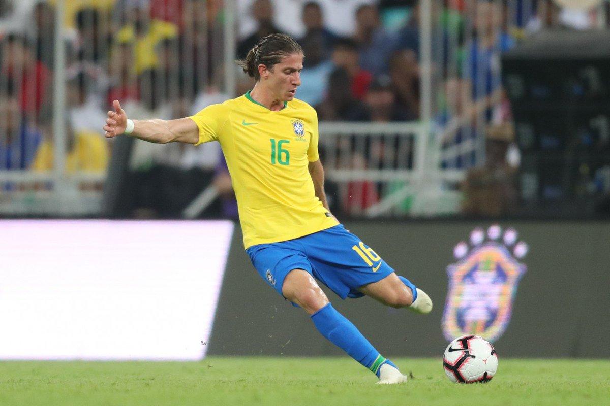 VITÓRIA NO RELÓGIO! Um golzinho no fim deu a vitória ao Brasil no #Superclássico! Valeu, #SeleçãoBrasileira! 🇧🇷🇦🇷 #GigantesPorNatureza  📷 Lucas Figueiredo / CBF