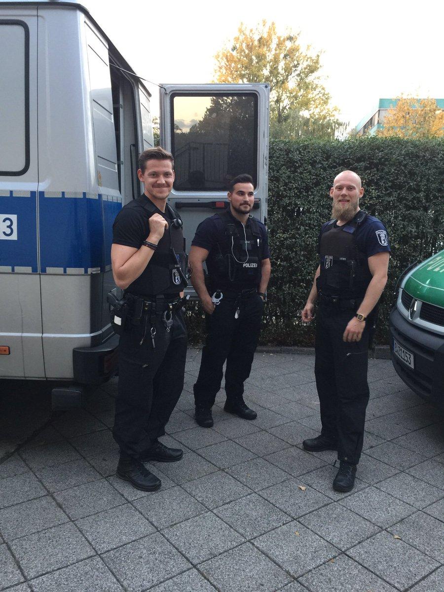 polizei hashtag on Twitter