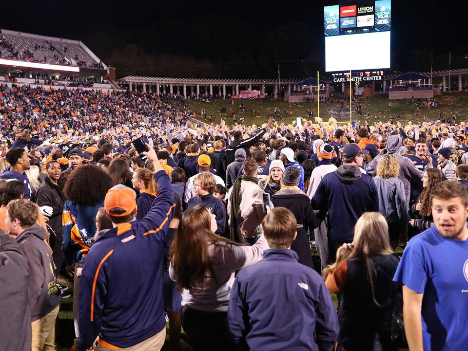 Saturday night was awesome! RETWEET if you're still fired up from the @UVAFootball win over No. 16 Miami and you could win a prize from @UVABookstores. 🏈 #GoHoos #NewStandard 🔶🔷