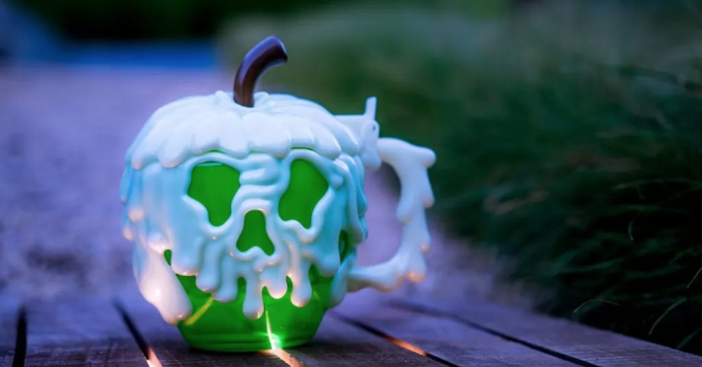 Things are getting spooky and sweet this Halloween at the Parks: https://t.co/OL4hpI2lHi https://t.co/mH6LNTtE0j