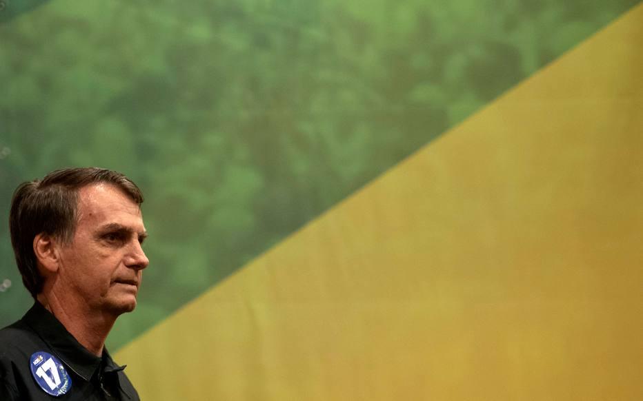 Resultado de imagem para Queda na rejeição a Bolsonaro foi maior entre pobres, nordestinos e mulheres