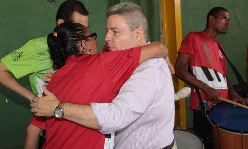 Anastasia evita comentar veto de FHC a Bolsonaro https://t.co/9goS6odbO2