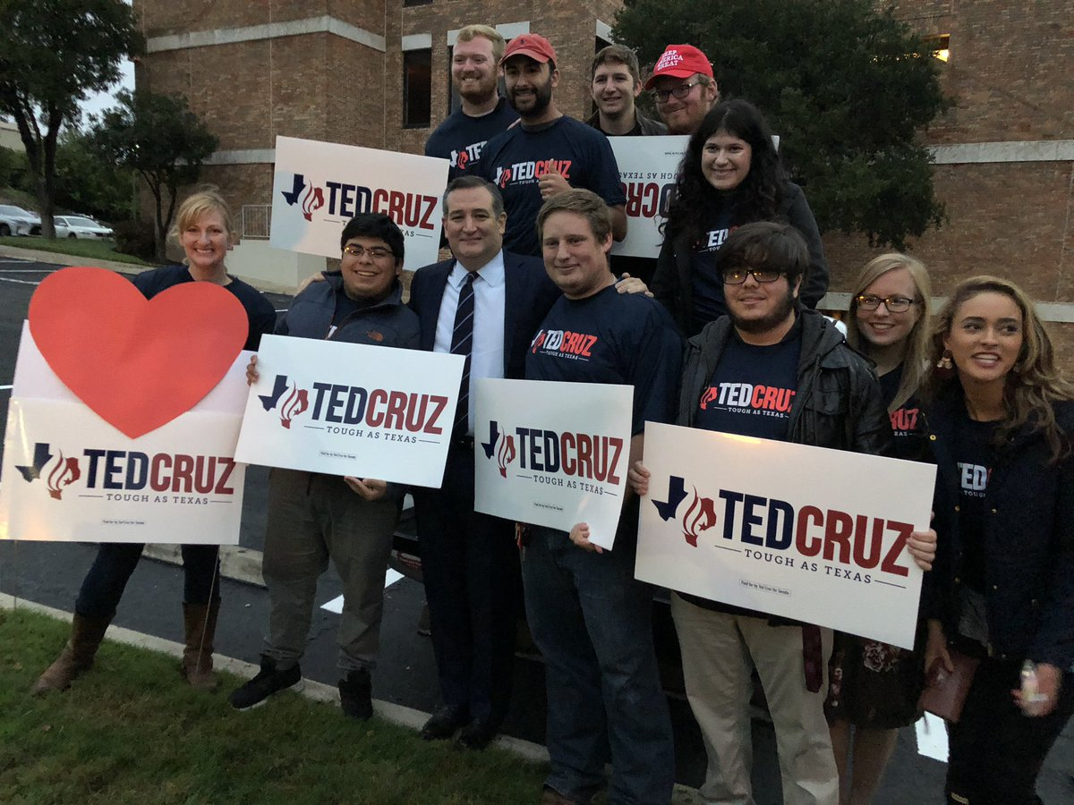 "On way into #TXSenateDebate in San Antonio - @tedcruz stops to greet volunteers. Said ""we're gonna have some fun.""<br>http://pic.twitter.com/EwjPc8jXM2 &ndash; à KENS TV"