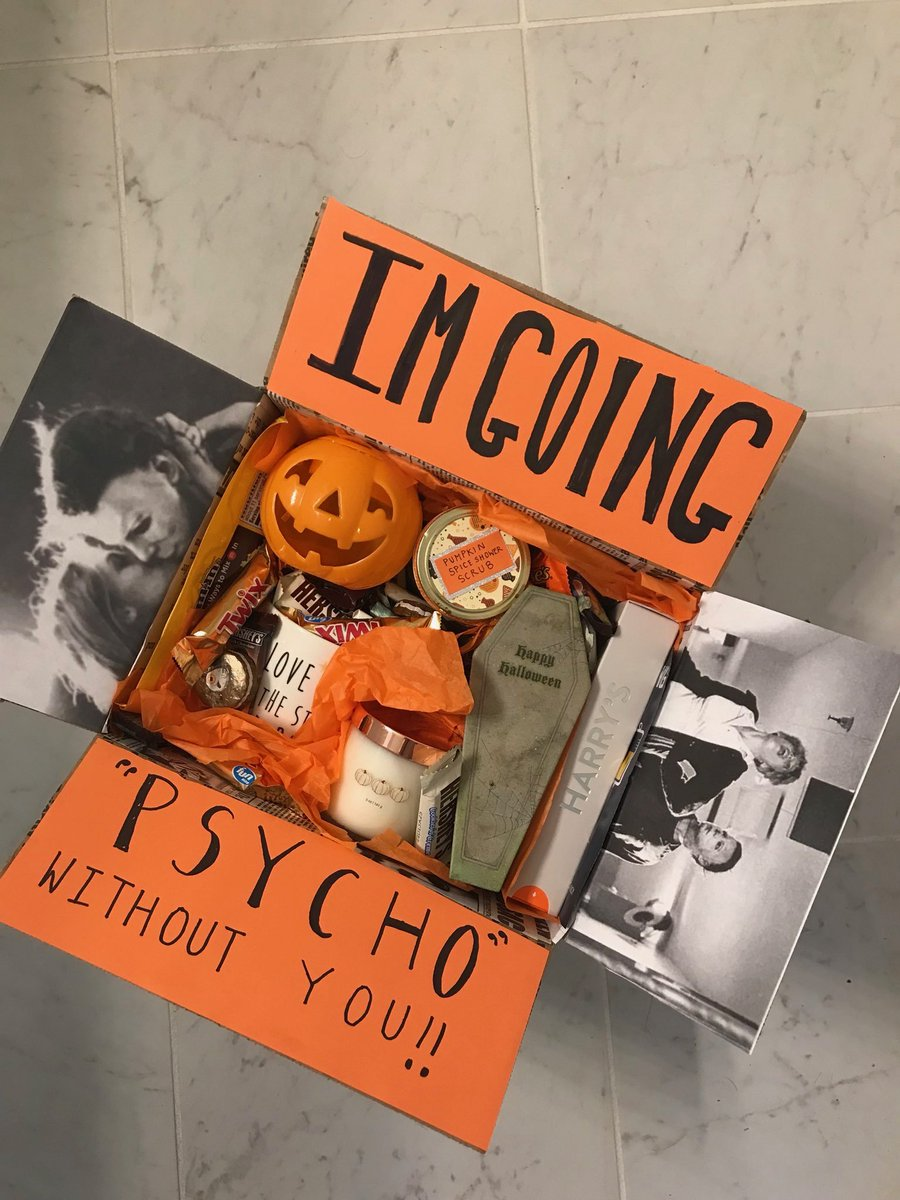 7. MAKE HIM SOMETHING - It&#39;s the thought that counts!  -framed pictures -collage -bake him cookies/cupcakes -handwritten card -sharpie mug -halloween origami -exploding box -decorate a jar and fill it with his fav candy -mixtape **all Halloween themed of course  <br>http://pic.twitter.com/ryGv3j4gjz