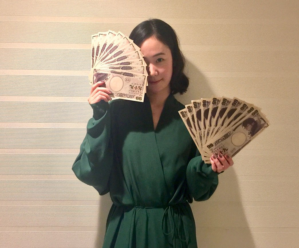 大倉万佐子役を演じる黒木華