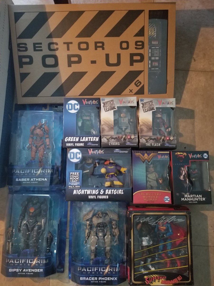 These are just some of the giveaways we have for fans that go to @ricomiccon and visit our booth in 2 weeks! Get your tickets now! #FreeRaffle <br>http://pic.twitter.com/rBiw8YkoCB