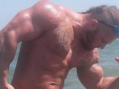 RT @JockMenLive: #GayPorn Haruko U #gaymuscle Naked #BigMuscle at https://t.co/zDbZsDyOz5! https://t.co/zKzW8R3AJJ