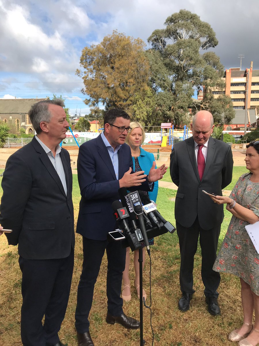 .@DanielAndrewsMP says more public housing could be built if there was input from Commonwealth, like has happened in the past. #springst @774melbourne