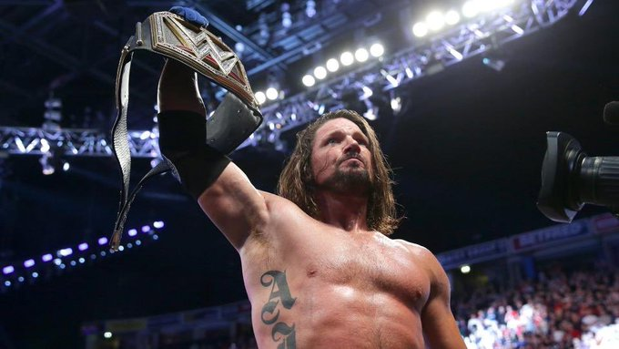 I started this @WWE Championship reign on #SDLive. I'm proud to defend it every day and will continue to do so. Proud to be #TeamBlue. Congrats on 1000 episodes! Photo
