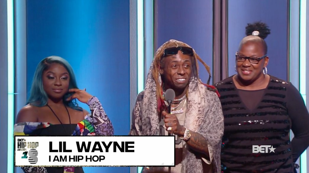 The King @LilTunechi is speaking! Pay all respects to the GOAT! �� �� #HipHopAwards https://t.co/gKybl9oYx6