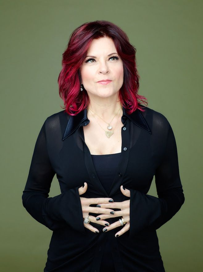 NYC! On 10/29, @rosannecash returns to @PioneerWorks_ for a very special launch of her new record, 'She Remembers Everything' — songs from the album paired with classics by women writers, read by @JannaLevin, @nycnovel, @staceyannchin, and yours truly https://t.co/cjCXItUaSk
