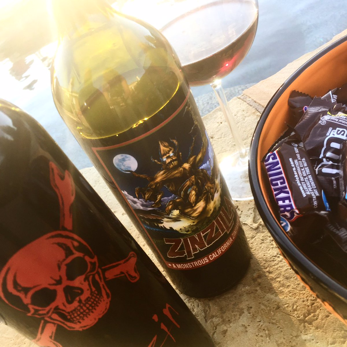 Am I the only one that enjoys pairing my wine with the evening.  For example, on Halloween, I&#39;ll probably have Witching Hour, on Debate Nights like the #TXSenateDebate I enjoyed Freakshow...Maybe it&#39;s just me.   @hmgivingsoul @winewankers @onceuponawine_ @Dracaenawines @CaraMiaSG<br>http://pic.twitter.com/U3VT8M3IMY