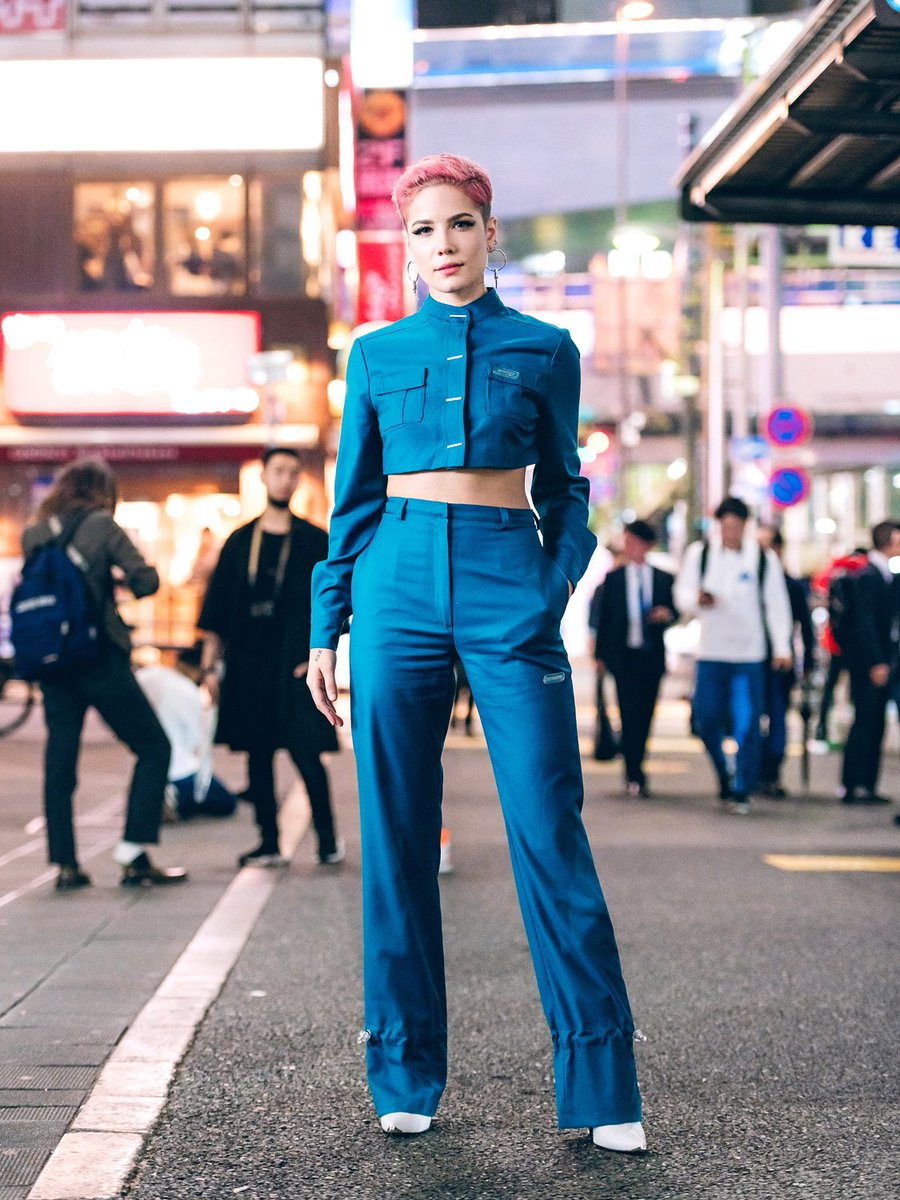 The @halsey wearing MISBHV outside of a runway show on day one of Tokyo Fashion Week (shot by us for VogueUSA). Halsey has been super nice these first few days of fashion week, stopping for photographers & fans outside shows! More snaps at Vogue https://t.co/MrtqU2T9sK