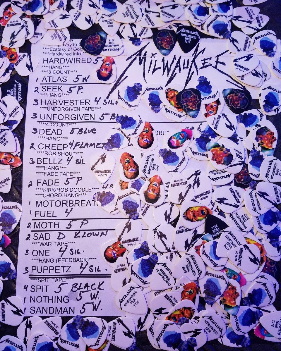 Here is your setlist Milwaukee! #MetInMilwaukee #Metallica #WorldWired