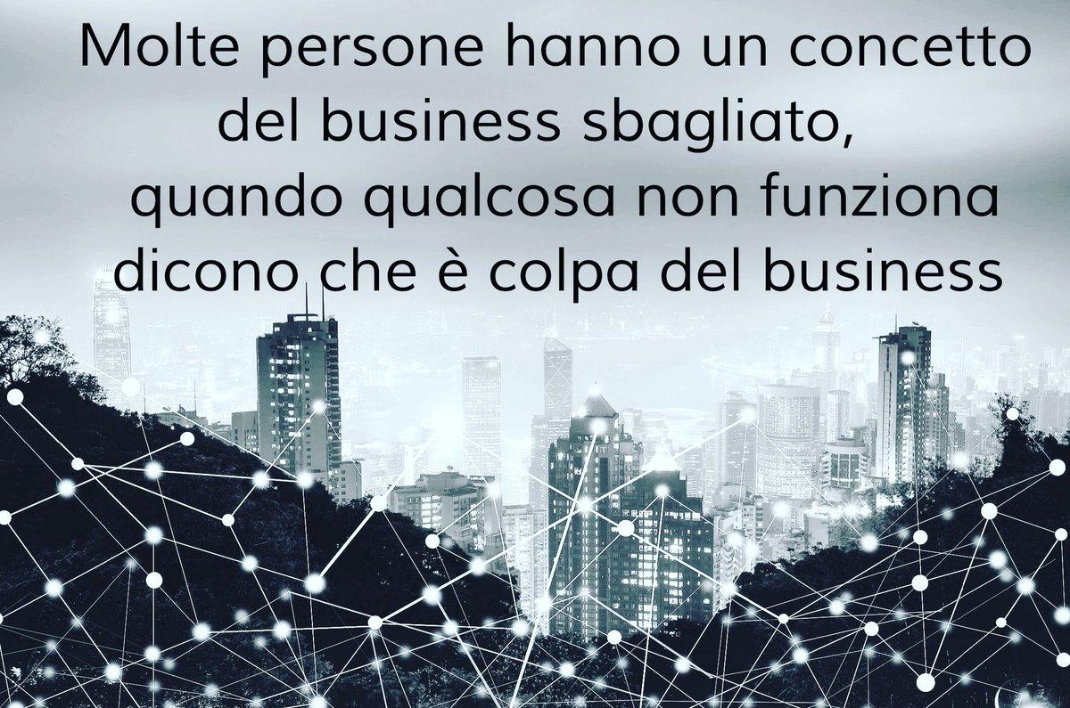 Mettersi in proprio non è così facile come dirlo. Spesso si apre solo perché si è bravi nel proprio, senza aver valutato il settore ed essersi fatti aiutare da professionisti. Conseguenza, colpa di qualcun'altro... #pmi #marketing #strategia #consulenza #businessman #11ottobre