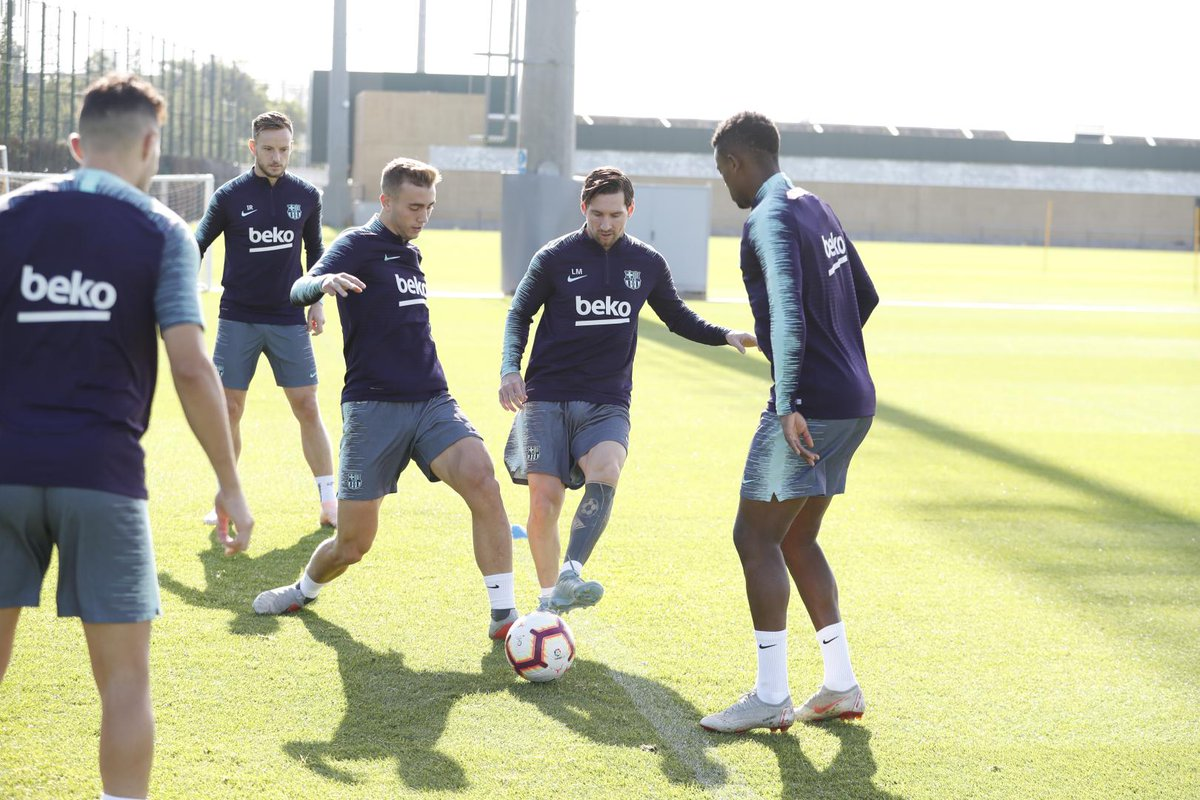 التدريبات متواصلة في برشلونة بانتظار التحاق آخر اللاعبين العائدين من المشاركة في المباريات الدولية مع منتخباتهم الوطنية Dps5cE6WwAAKrKV