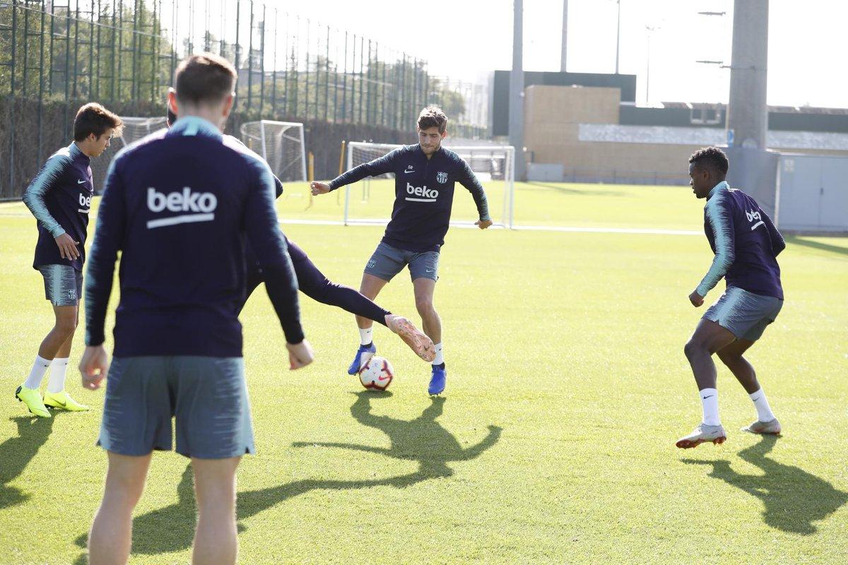 التدريبات متواصلة في برشلونة بانتظار التحاق آخر اللاعبين العائدين من المشاركة في المباريات الدولية مع منتخباتهم الوطنية Dps5cErXUAA1KlE