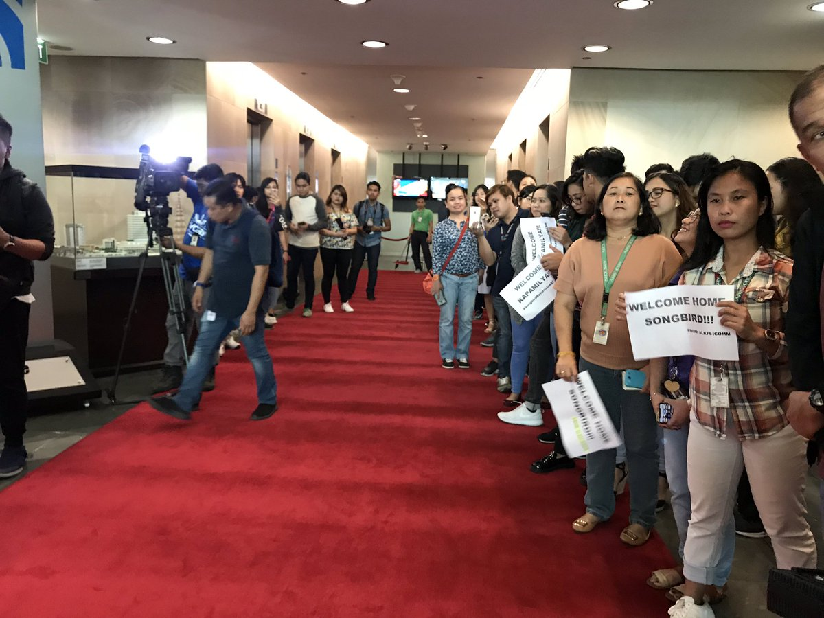ABS-CBN employees are excited to welcome @reginevalcasid back to the Kapamilya network! ✨ #SongbirdReturnsToABSCBN