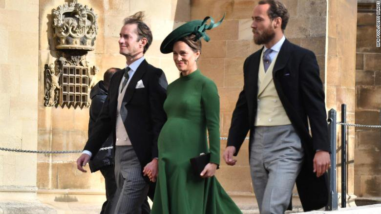 Pippa Middleton, the Duchess of Cambridge's younger sister, has given birth to a baby boy https://t.co/lhZJX30jzK https://t.co/SRj8HMCDAU