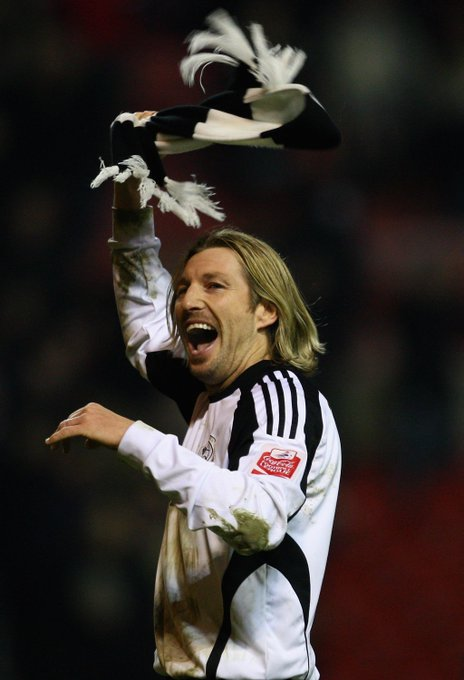 Happy 4  4  th birthday to Robbie Savage Who remembers this classic Robbie moment?