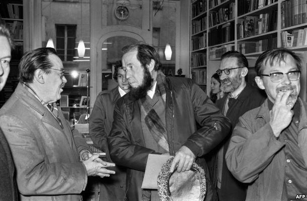 Тёрки с конкурентами из русофобского масонского издания ИМКА-пресс в Париже.