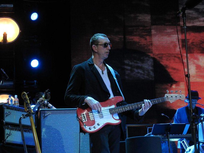 Happy 61st Birthday Pino Palladino, one of the bass players who got me hooked on fretless bass.