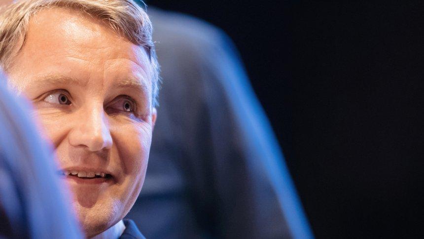 AfD-Spitzenkandidat in Thüringen: Höckes Hitler-Problem https://t.co/nRB9s4RhCr