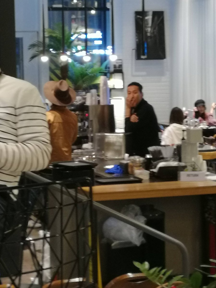 181017 Haru Cafe - don&#39;t get a lost baby!! He will comeback soon. Don&#39;t worry  the lonely cowboy hae #Donghae #동해 [你是年少的欢喜_oO]<br>http://pic.twitter.com/zMfujwfjdK