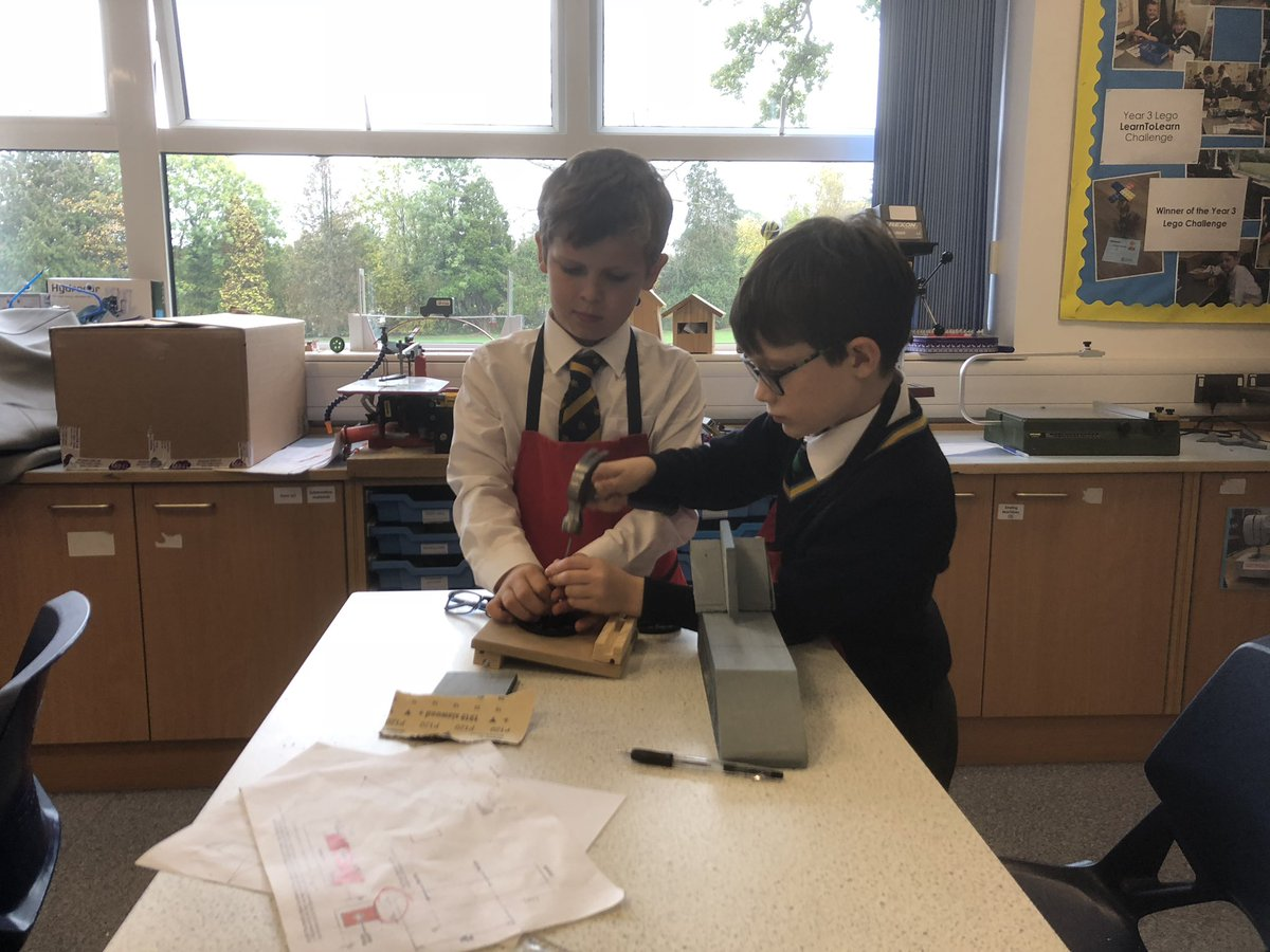 The finishing touches now being added to the #Year5 SSCs with @BLOODHOUND_Edu - the race is now not far away! #engageinspirechallenge<br>http://pic.twitter.com/zkZSvcfr51