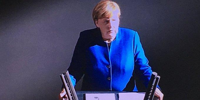 """#Merkel zum #Brexit: """"Auch wenn wir Härten vermeiden wollen, es müssen immer Unterschiede zwischen Mitgliedschaft und Nicht-Mitgliedschaft deutlich sein. Und das werden sie auch."""" Photo"""