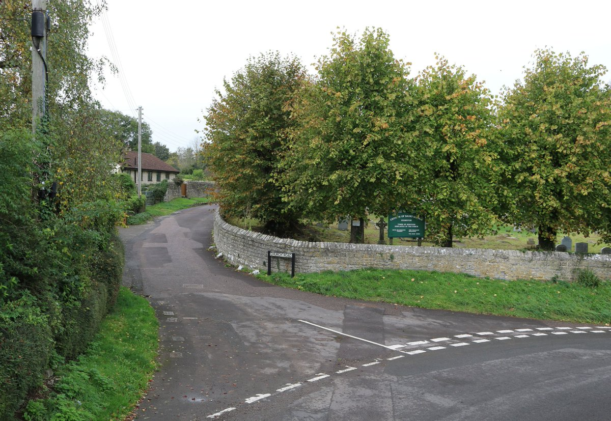 2/3 Holywell &amp; Church Roads junc  #Edington #Somerset facing WNW, 17 October 2018 GMT 1113 / BST 1213 <br>http://pic.twitter.com/2PcG0uBaBE