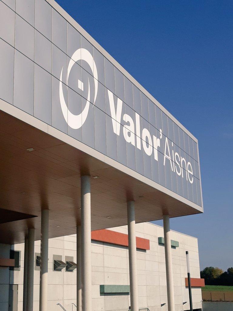 Visite du centre de tri @Valoraisne avec nos usagers 🙂 #SemaineAntiGaspi #ValorAisne #AggloSaintQuentinois https://t.co/qXyqur8Z0k