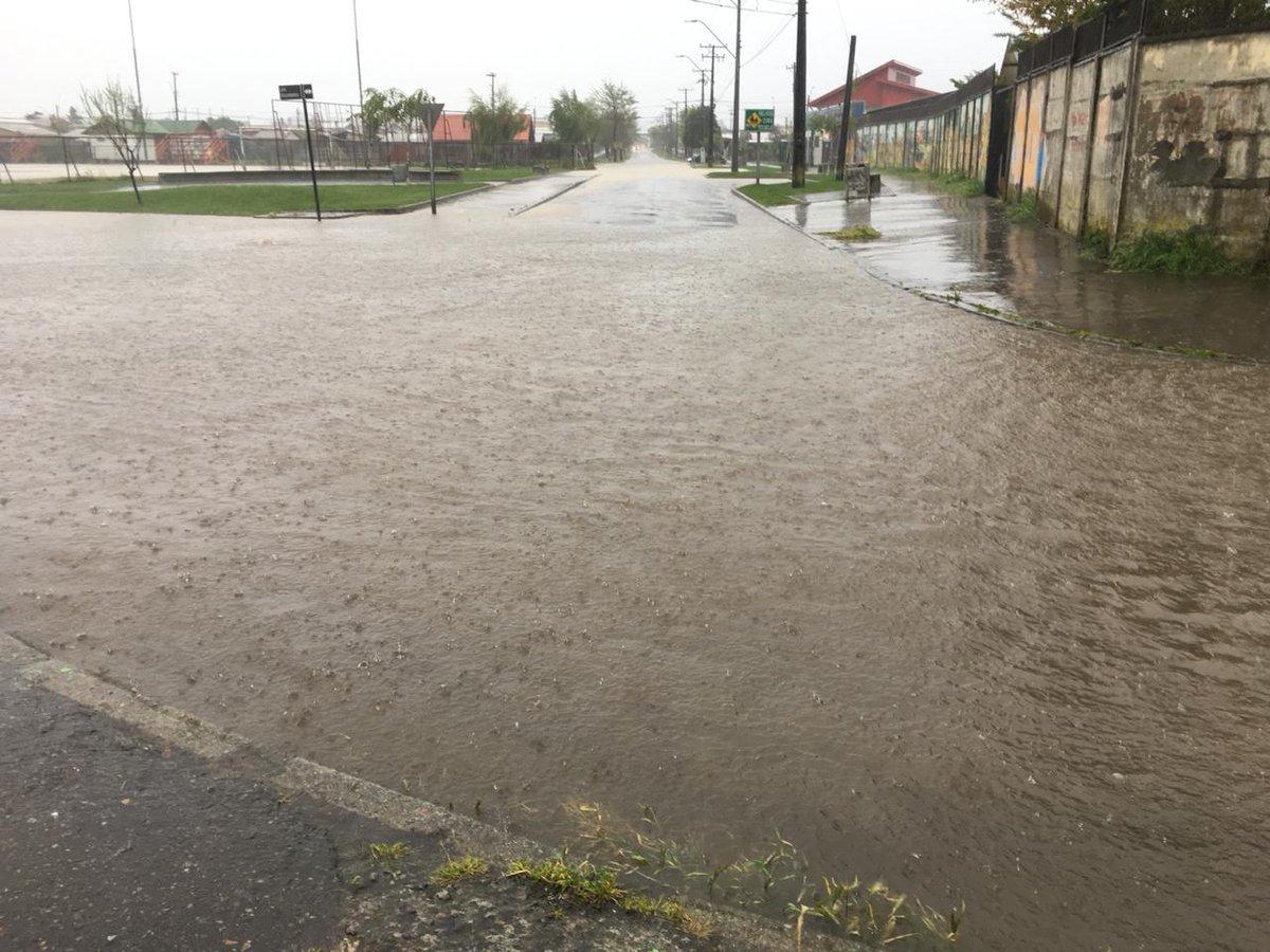 RT @biobio 🔴 AHORA   Ordenan suspensión total de clases en establecimientos de educación pública de Coronel, debido a intensas lluvias registradas en la región del Bío Bío.