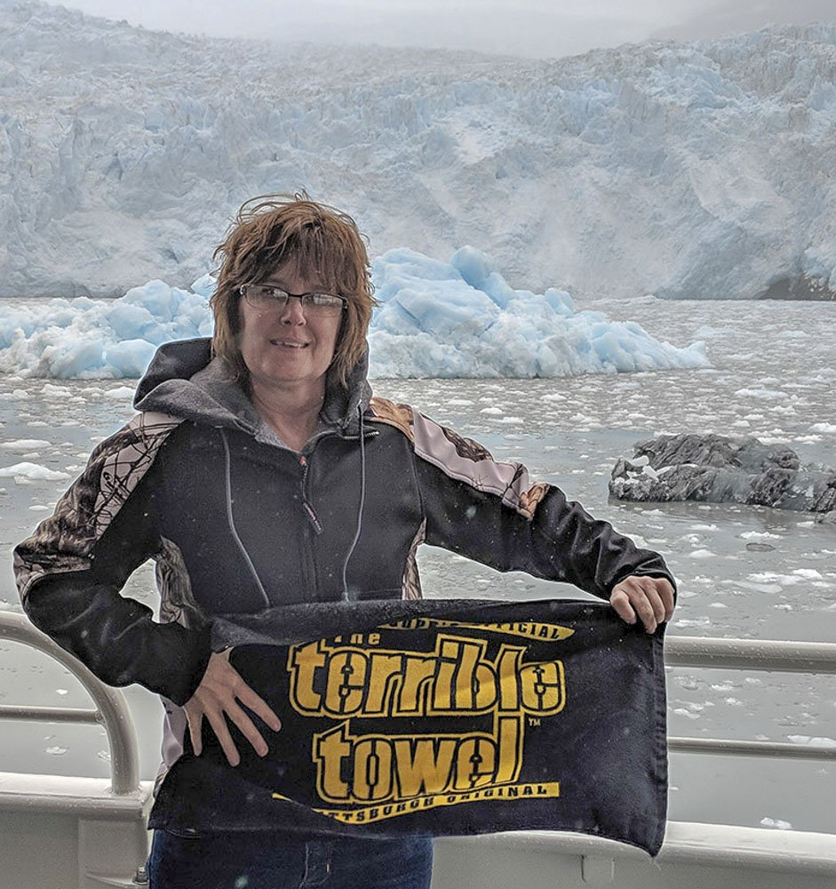 A maiden voyage to Alaska called for a #TerribleTowel travel companion. 📸: SNU Member Kimcoop TRADITION ≫ stele.rs/vefOAI