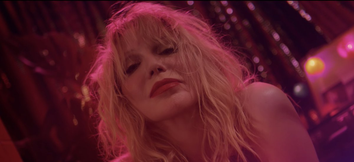 """Courtney Love leads a band of 1,500 members through a performance of Hole's """"Celebrity Skin."""" Watch here https://t.co/3eA8EILHS2"""