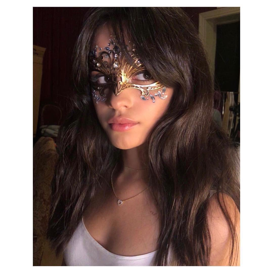 #CamilaCabello #TheFemaleArtist #PCAs https://t.co/qlWeSufwsv