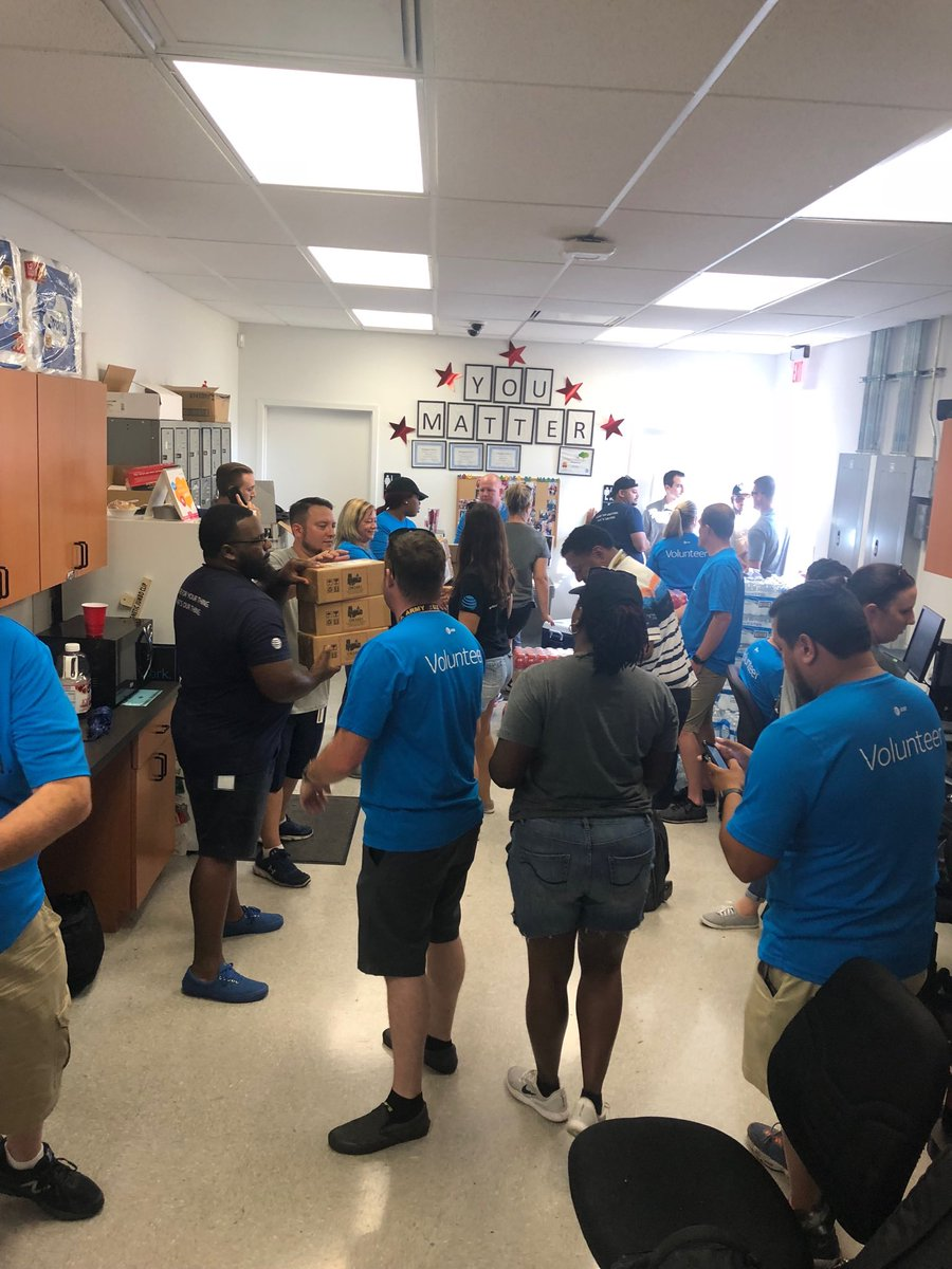 More phones for the folks in Panama City. We are ready to serve those in need. <br>http://pic.twitter.com/2gPsel8Ebm