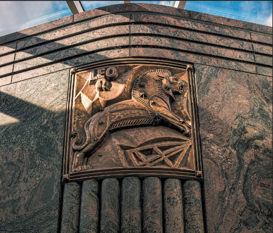 A detail shot of the Adler Planetarium by James Caulfield, yet another one of the fabulous images in our new book, Art Deco Chicago! Visit the link in our bio to order a copy. #architecture #chicago #artdeco #artdecochicago #artdecochi #adlerplanetarium #leo #horoscope