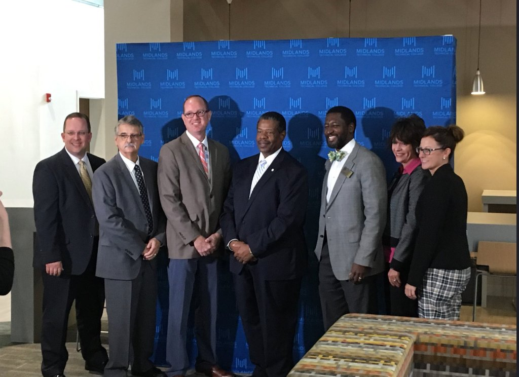 MTC is proud to announce that we have signed an agreement  to award college credit for high school welders in Lexington, Richland, and Fairfield counties, fast tracking them into careers with an easier and less expensive path for young students to become certified welders #MTC<br>http://pic.twitter.com/zpo6QC5wyc