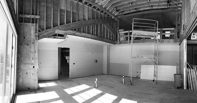 #workinprogress #projectinprocess #elliman #douglaselliman #ellimanhamptons #ida #idawinner . #interiordesign #interiorarchitecture #architecture #design #hamptons #summerhome #southampton #hamptonsdesign #construction #beachhome #kitchen #kitchendesign #dalecohendesignstudio https://t.co/ogzpVXl6wD