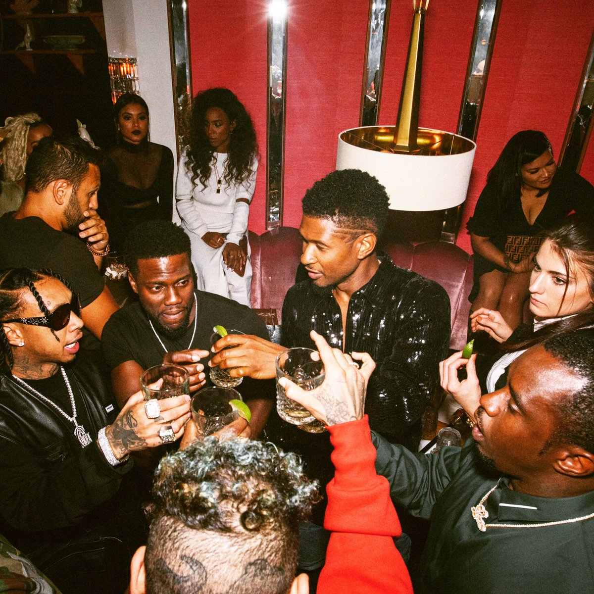 Thank you @Diddy, @KevinHart4real, @chrisbrown, @Tyga, @scooterbraun, and @KELLYROWLAND for celebrating with me <br>http://pic.twitter.com/7w2Nat2rMM