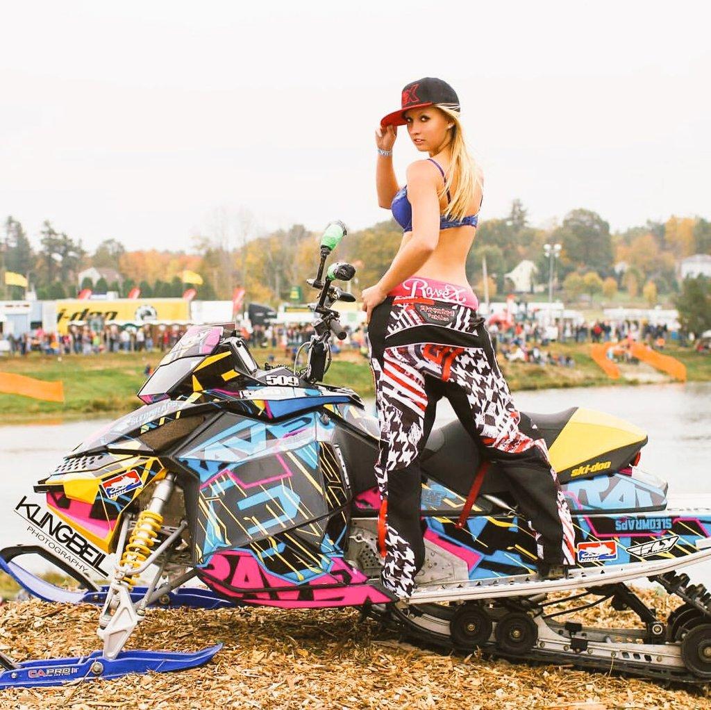 10 rts 😘😘 #ravexgirls #ravexmotorsports