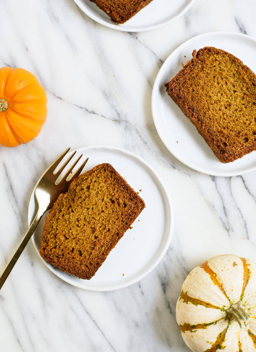 Healthy Pumpkin Bread! https://t.co/NqLhuniMtl via @cookieandkate https://t.co/gGwfHt9Gy1