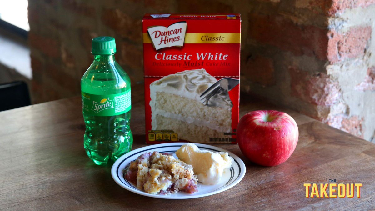 Fruit Soda Dump Cake may fit the bill if you're having a crumble emergency trib.al/vfOQ5TC