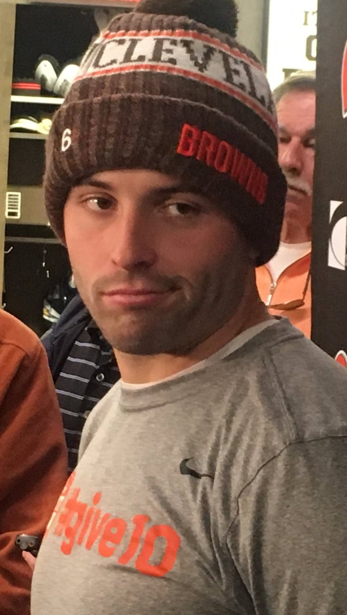 Hue Jackson: We gotta get Nick Chubb more carries ...  Baker Mayfield: <br>http://pic.twitter.com/5LgFEYkoj1