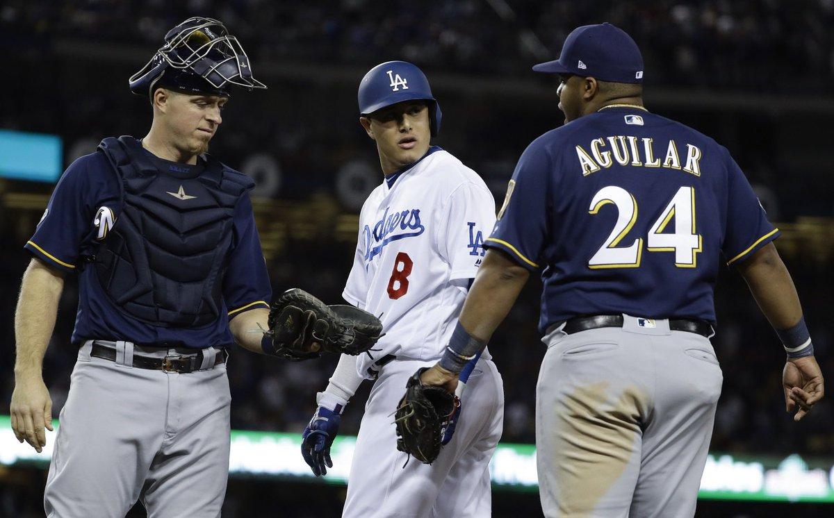 Multaron a Manny Machado, de los Dodgers, por patear a un rival en la Liga Nacional. ► https://t.co/d8Go5HjqIQ