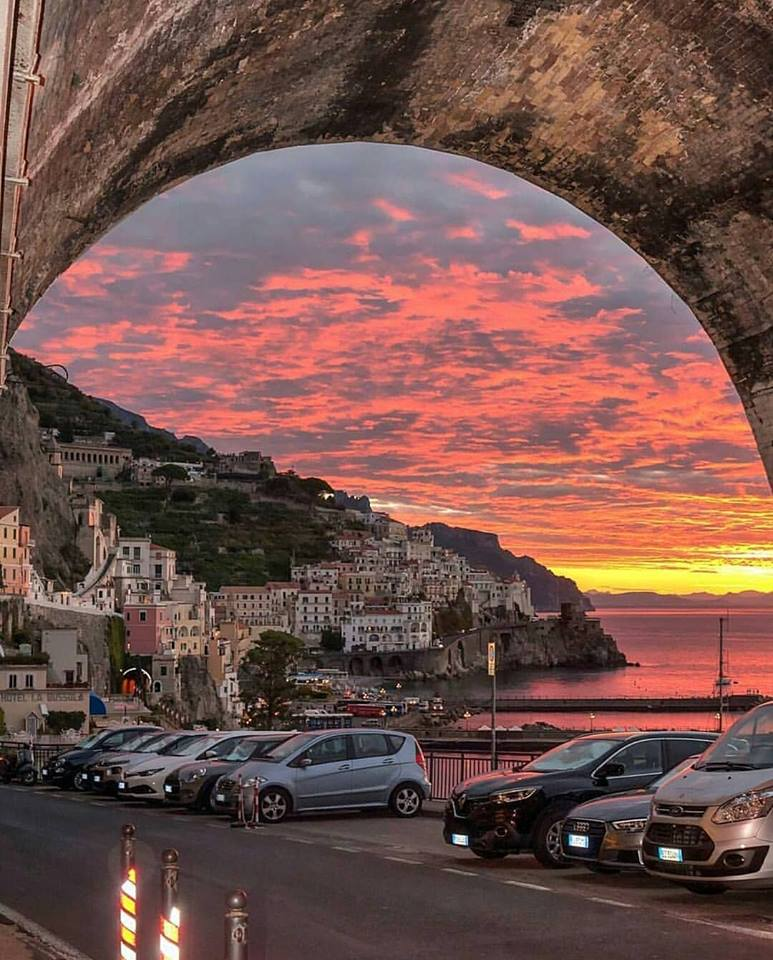 Good night and sweet dreams all friends living in Europe 💖 Amalfi Coast, Italy 🇮🇹 📷@gennaro_rispoli