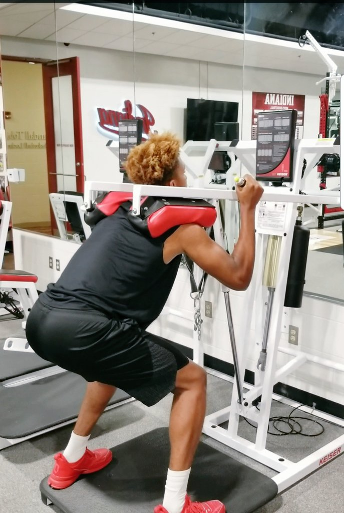 In The Lab:  This tool has helped me identify an exercise that correlates to jumping.  Our top 5 testers in the &quot;peak power&quot; air squat are also the top 5 testers in the no step vertical jump.  Romeo Langford at the top of both list after hitting a new record this week!  #IUBB<br>http://pic.twitter.com/lHhYcLQJTw